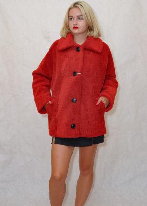 Куртка с воротником из Кёрли с воротником красный