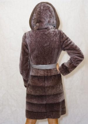 Мутон пальто с капюшоном