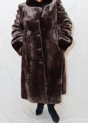 Мутон пальто стойка